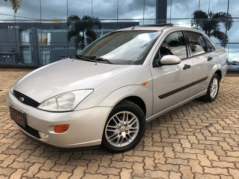 2001 FORD FOCUS SEDAN GHIA 2.0mpi 16v 4P