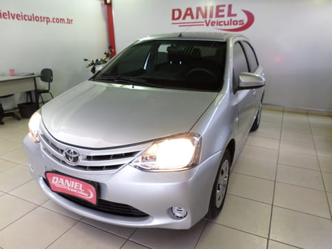 2014 toyota etios 1.5 hb xs 16v flex 4p manual