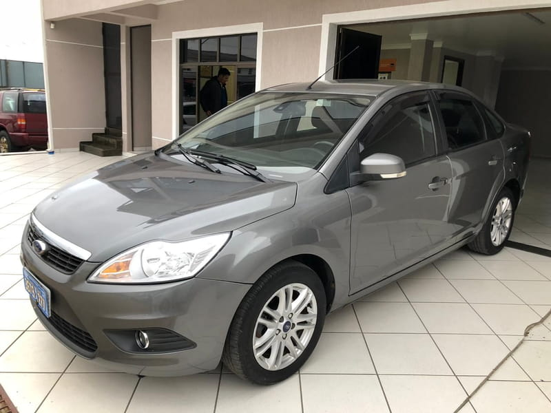 FORD FOCUS SEDAN 2.0 16v 4P