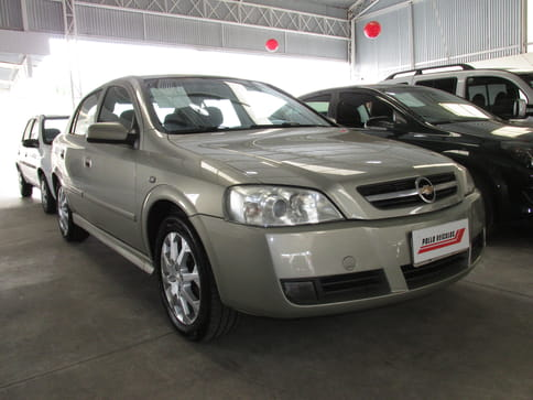 2011 chevrolet astra hatch advantage 2.0 08v(140cv)
