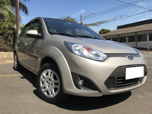 2013 ford fiesta sed.flex kinetic  4p