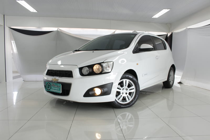 CHEVROLET SONIC LT HB AT