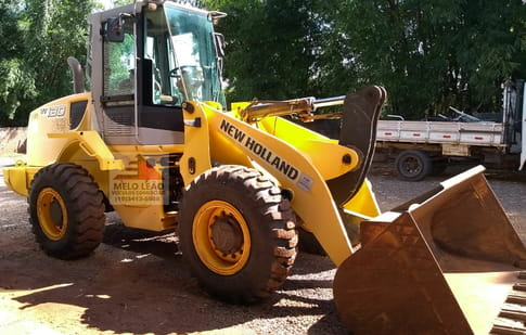 2011 NEW HOLLAND W130