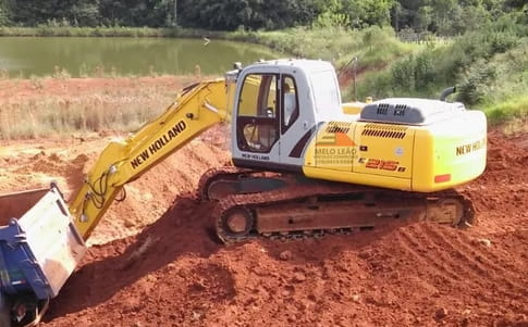 2008 new holland escavadeira e215 b