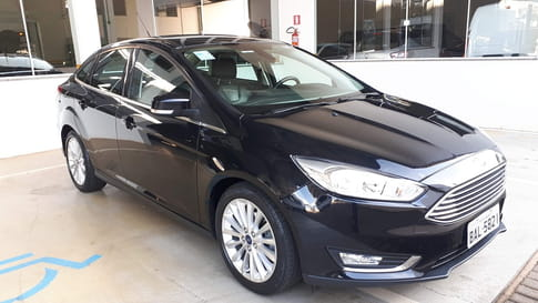 2016 ford focus sedan titanium 2.0 powershift aut.