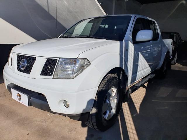 nissan frontier xe 2.5 4×2