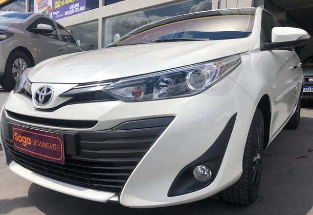 YARIS 1.5 16V FLEX SEDAN XLS CONNECT MULTIDRIVE