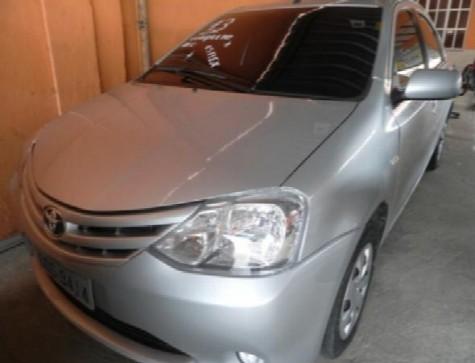 2013 Toyota ETIOS XS Sedan1.5 Flex 16V 4p Mec. 2013
