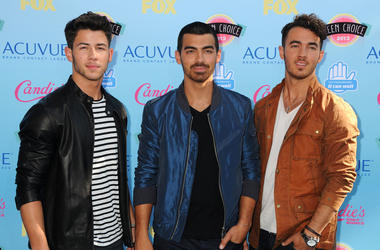 Nick Jonas, Joe Jonas, Kevin Jonas, The Jonas Brothers. 2013 Teen Choice Awards