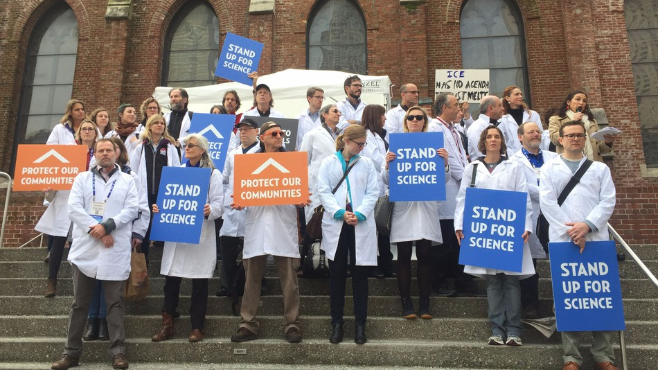 Sign the Pledge: I Stand Up For Science!
