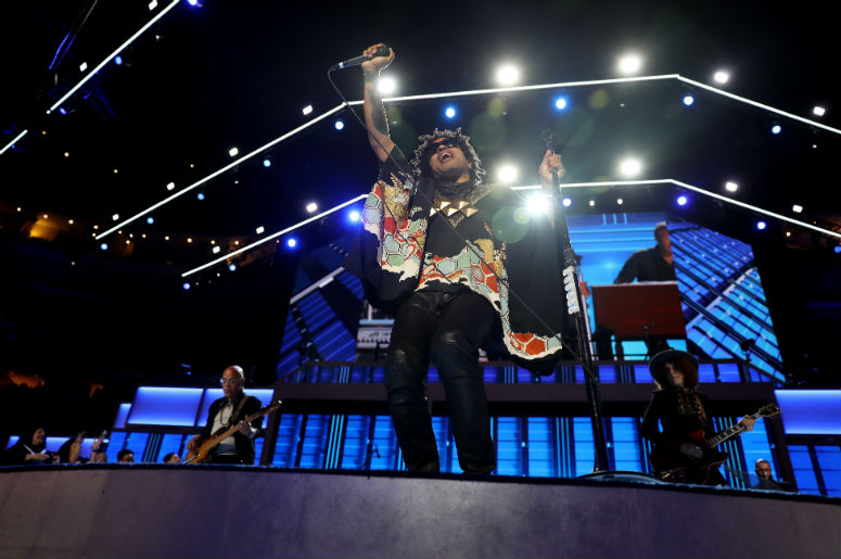 """EXCLUSIVE: Watch Lenny Kravitz Give the """"Low"""" Down on New Song"""