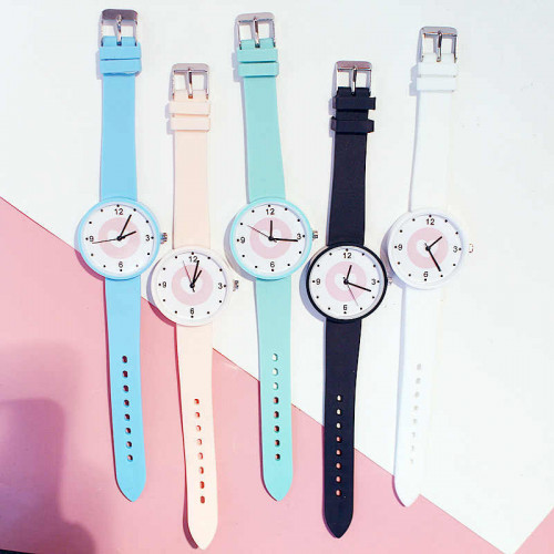 2020 New Fashion Women's Trendy Color Wrist Watch