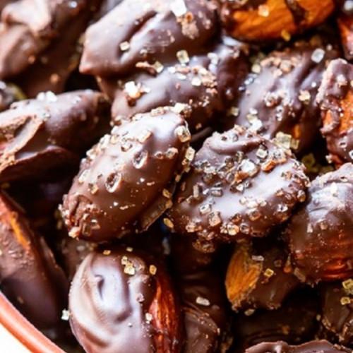 Chocolate coated Almonds (200g)