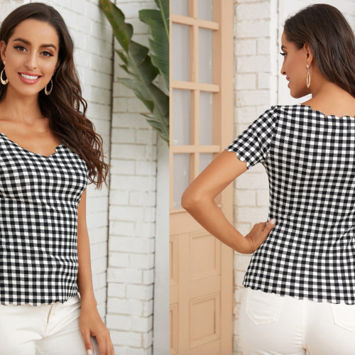 Gingham Scallop Trim Fitted Tee