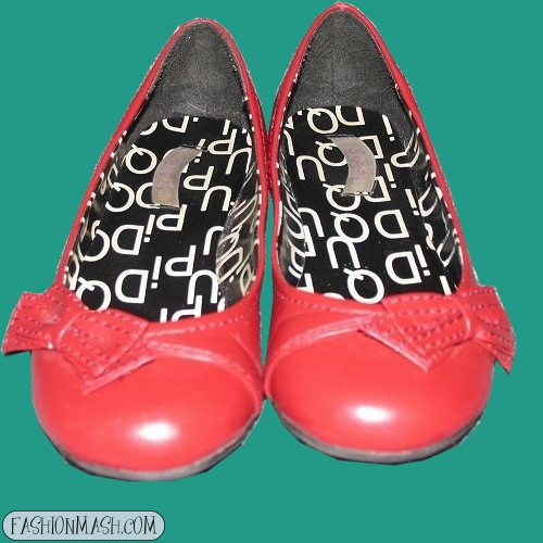 red footwear large image
