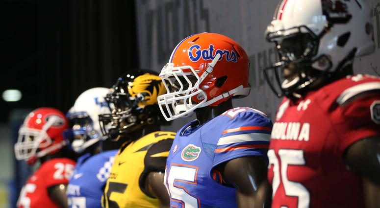 USA Today ranks the best uniforms in college football in 2018 ... 51463846d