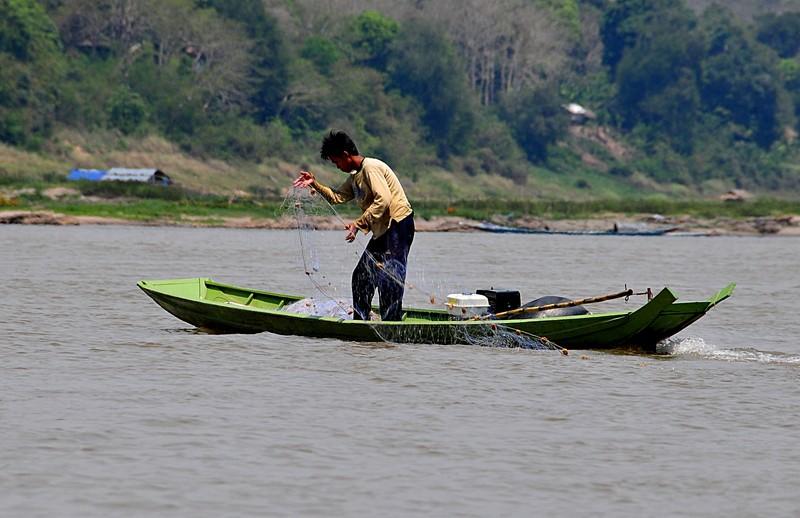 apr 02 3674 fishing net