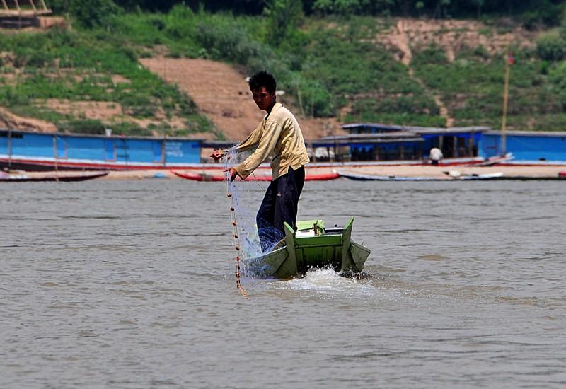 apr 02 3678 fishing net
