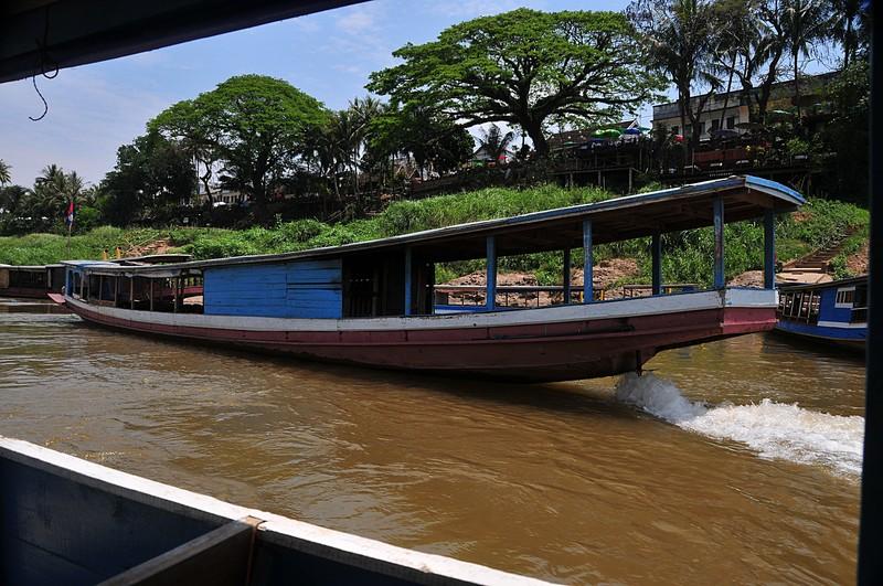 apr 02 3695 river boat