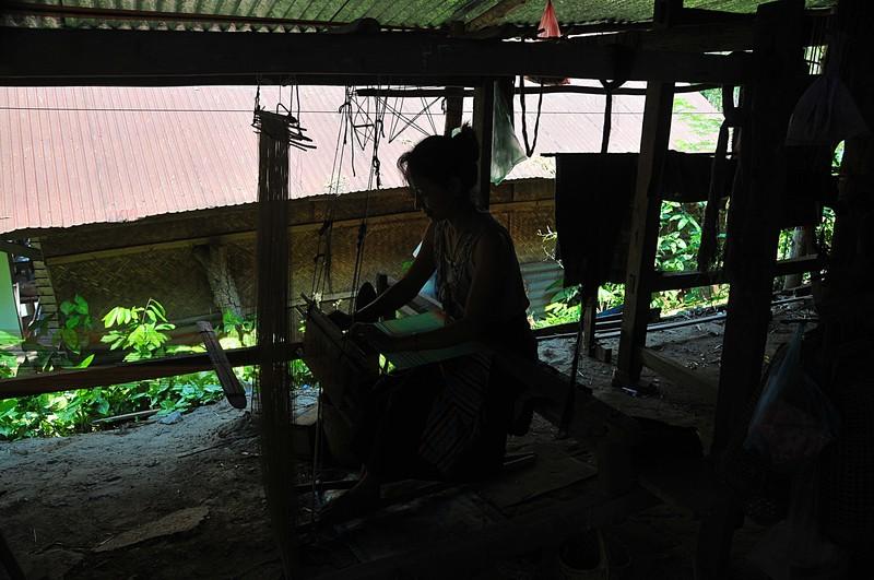 apr 02 3737 weaving silk