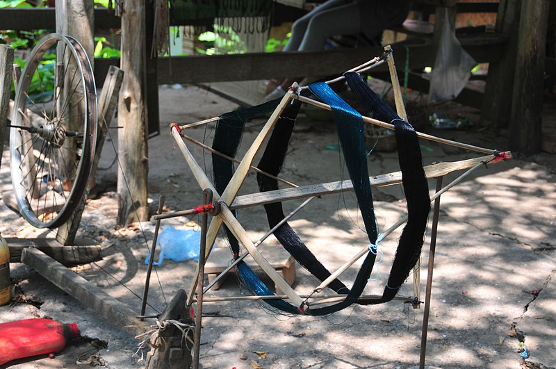 apr 02 3781 silk spinning