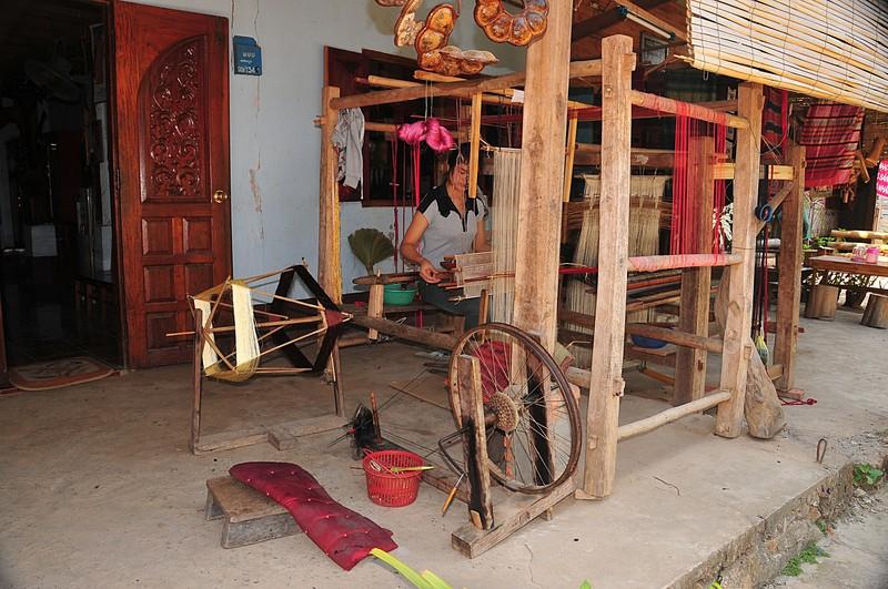 apr 02 3784 loom spinner