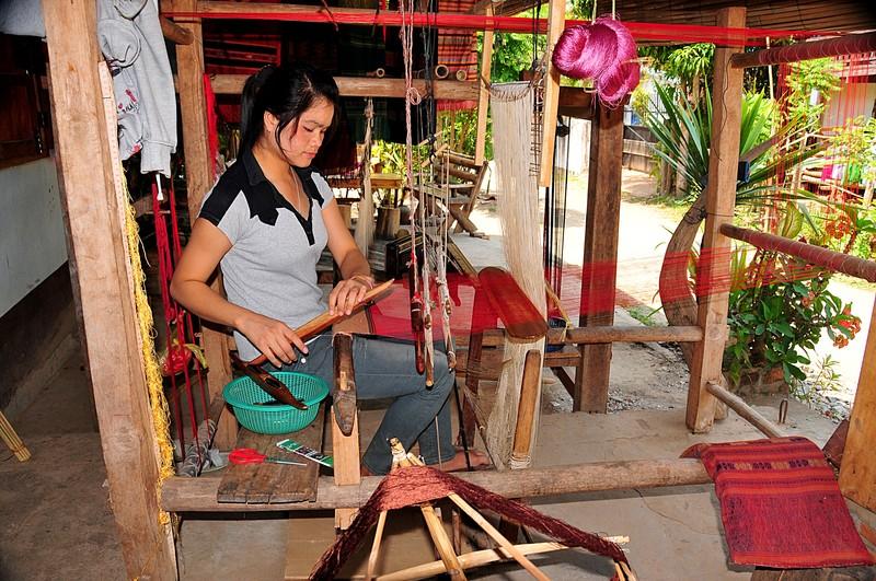 apr 02 3787 weaving porch