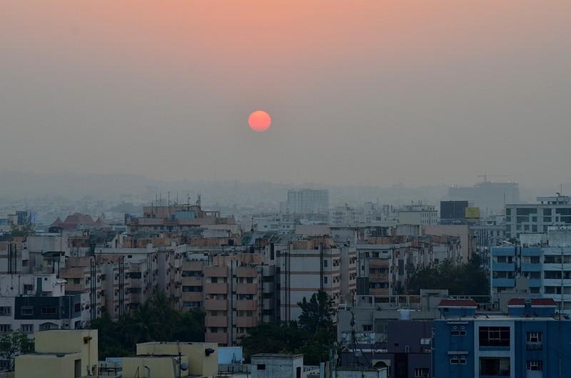apr 07 9383 hazy sun