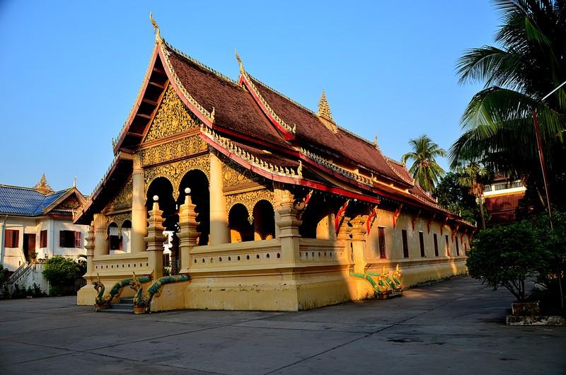 apr 20 0562 morning buddha temple
