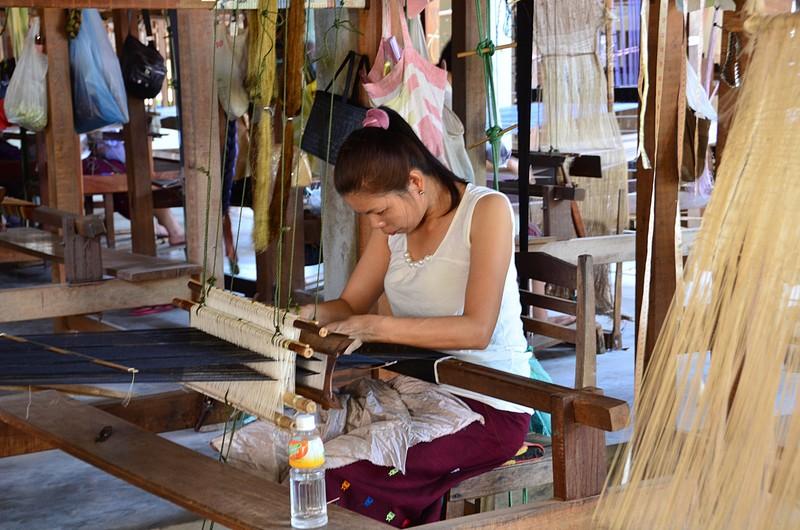 apr 20 0731 weaving