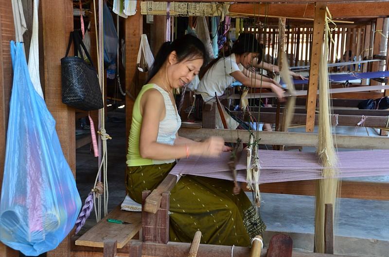 apr 20 0734 weaving