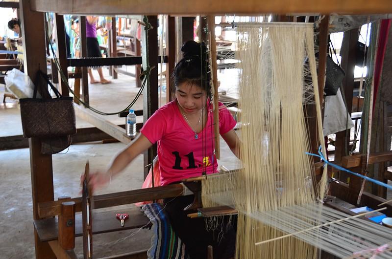 apr 20 0746 weaving