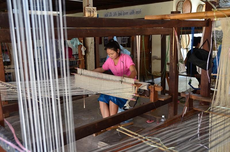 apr 20 0767 weaving