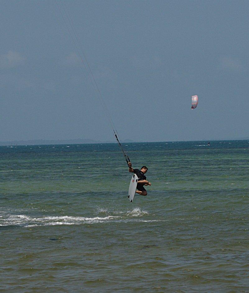 aug 02 6363 kite jump 1