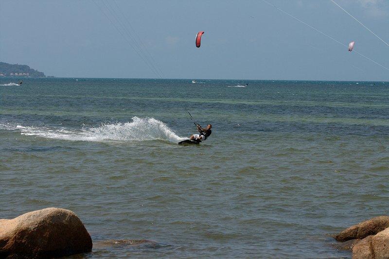 aug 02 6392 kite jump 0 gimp