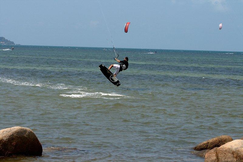 aug 02 6396 kite jump 3 gimp