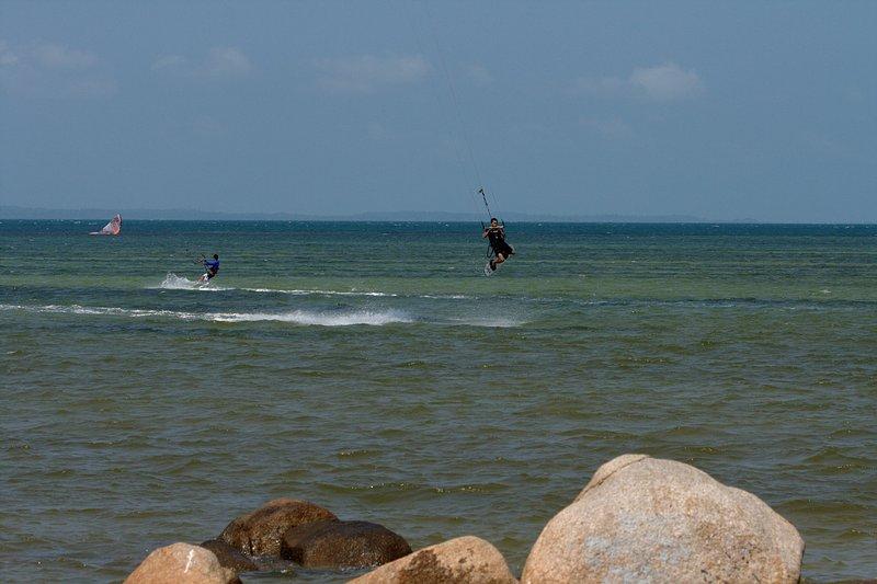 aug 02 6408 kite jump 1