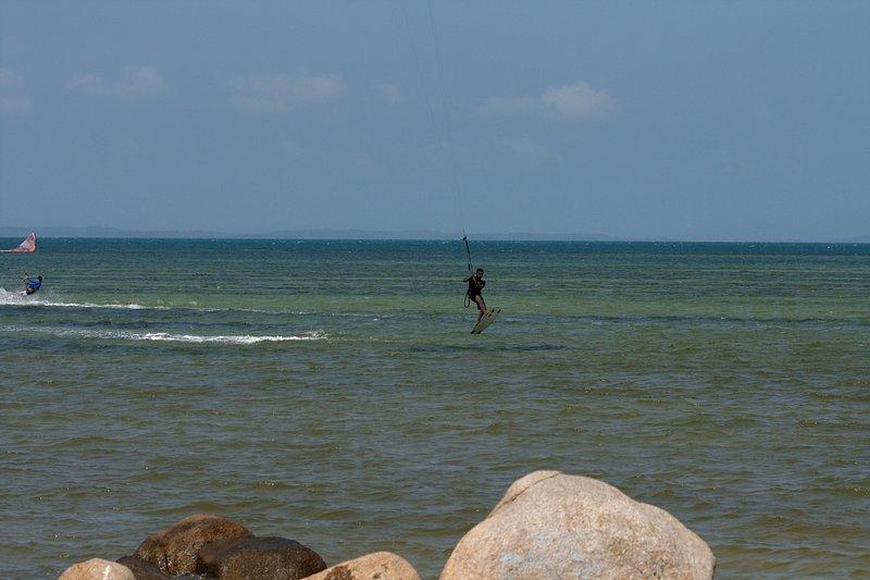aug 02 6411 kite jump 4