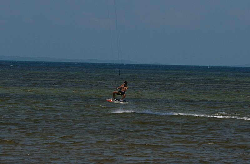 aug 02 6466 kite jump 1