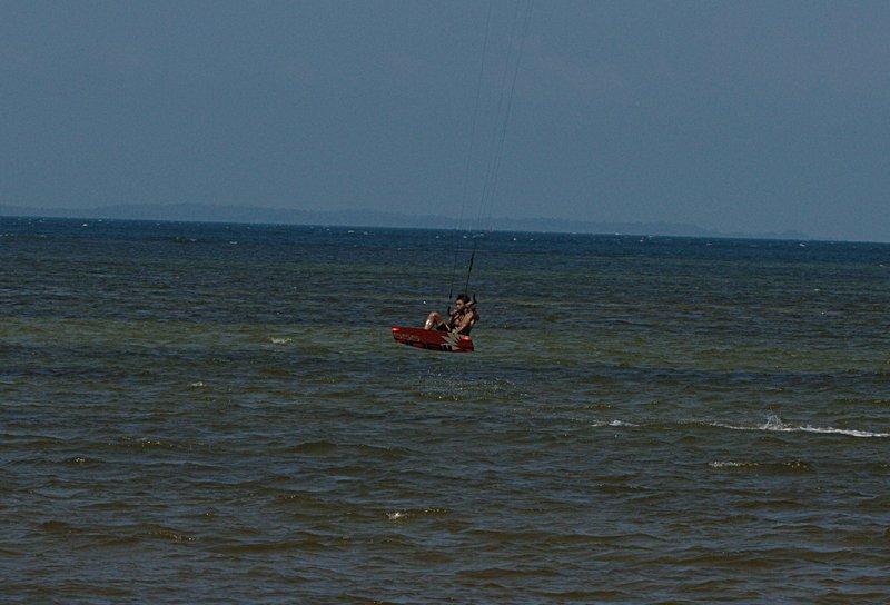 aug 02 6467 kite jump 2