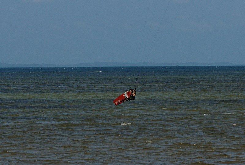 aug 02 6468 kite jump 3