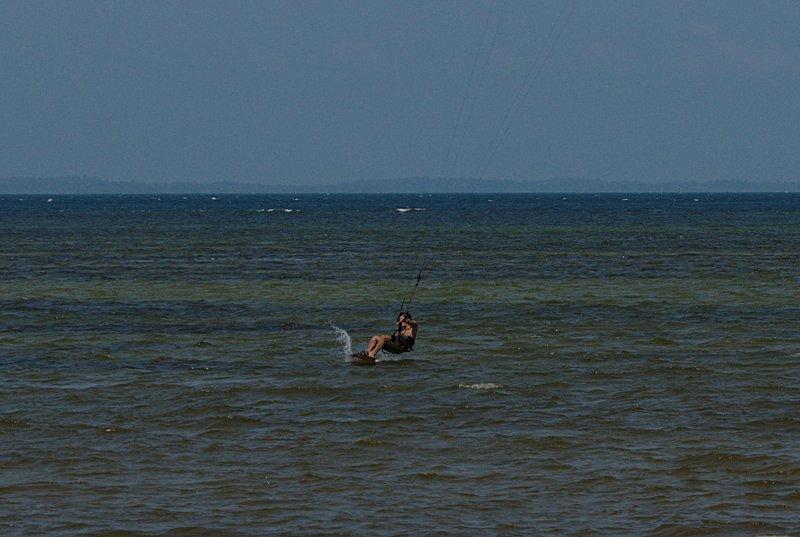 aug 02 6469 kite landing