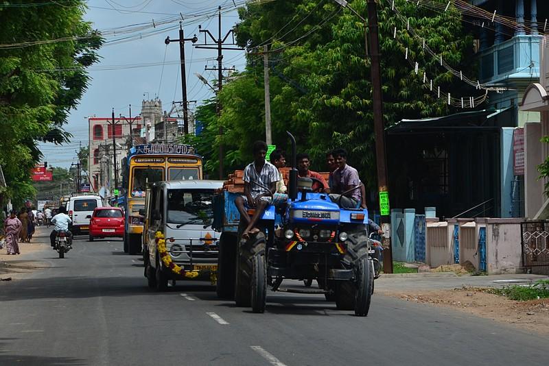 aug 04 3178 tractor traffic