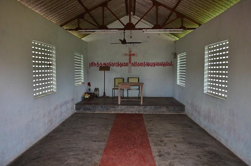 aug 04 3641 inside church