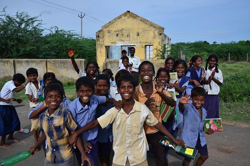 aug 04 3699 smiles kids