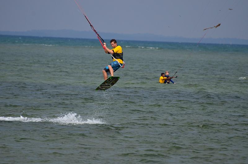 aug 25 9197 yellow jump