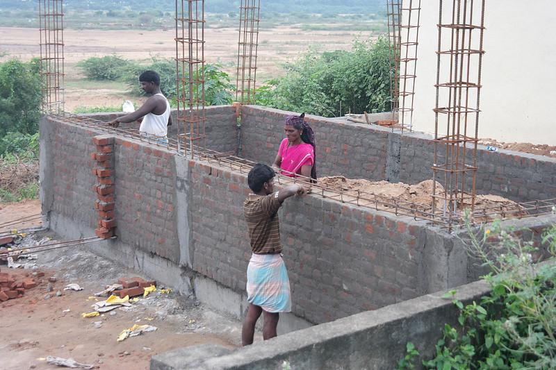 dec 01 0404 chruch construction