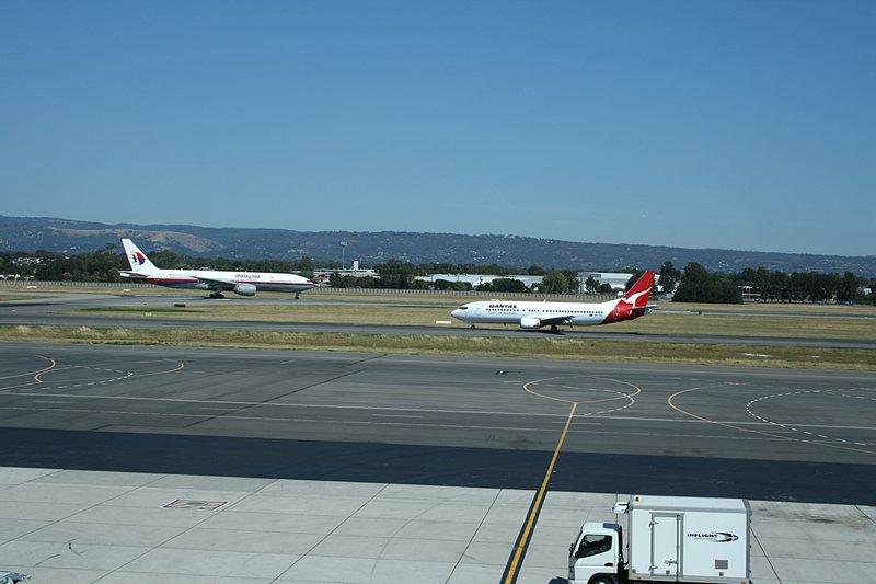 dec 01 7173 adelaide runway