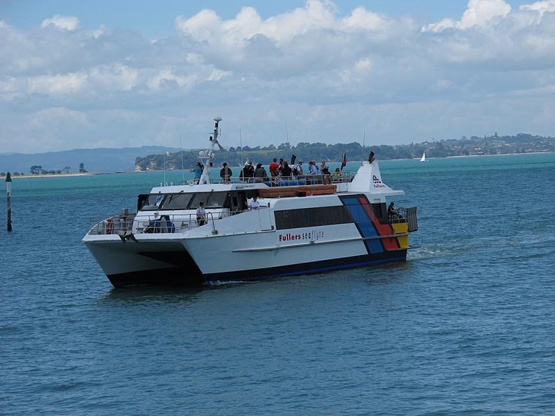 dec 09 0389 arriving ferry