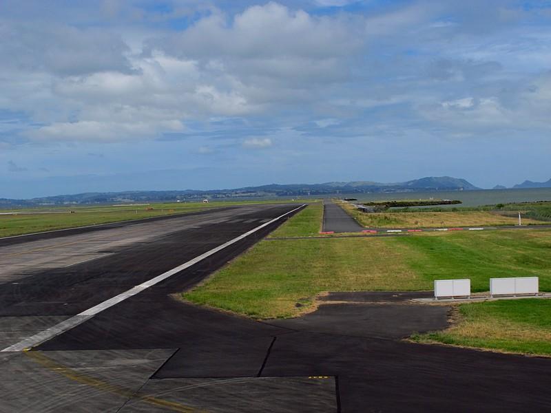 dec 11 0580 auckland runway
